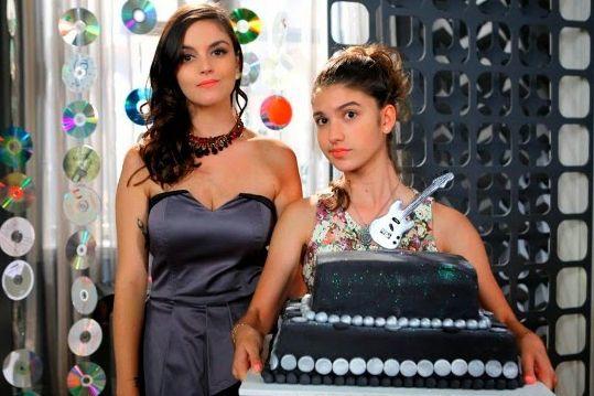 Renata e Mili - Bolo para festa do JP - Chiquititas