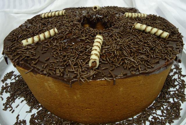 Bolo Caseiro Frapê com Cobertura de Chocolate