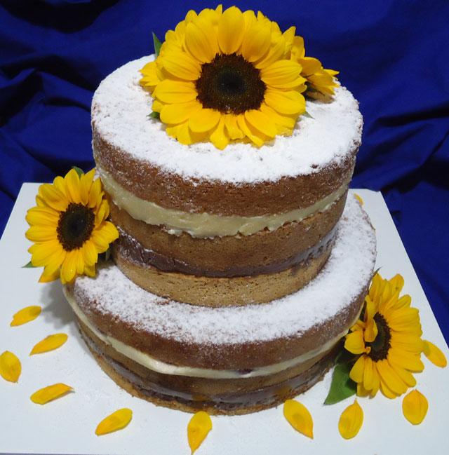 Bolo Naked Cake Decorado com Girassol