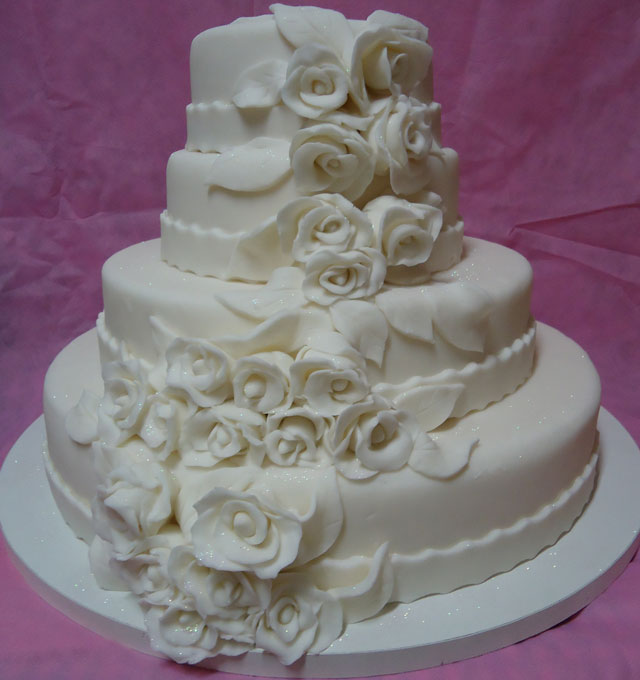 Bolo de Casamento com Pasta Americana