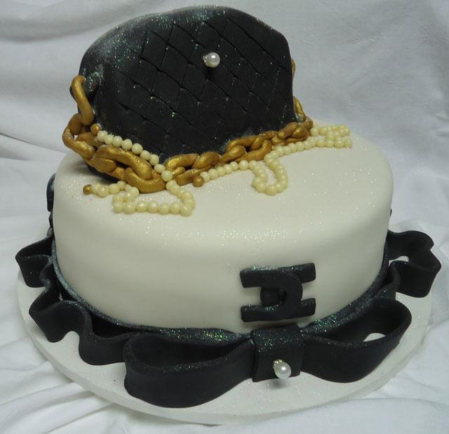 Bolo Chanel de Pasta Americana
