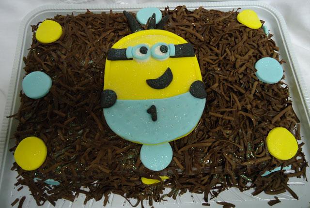 Bolo de Chocolate dos Minions