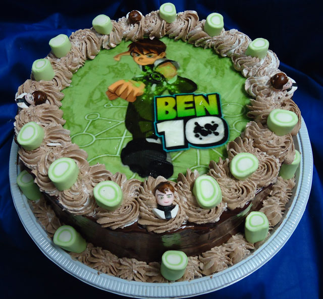 Bolo do Ben 10 de Chocolate