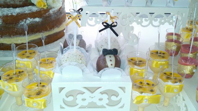 Cake Pops Casamento - Noivinho e Noivinha