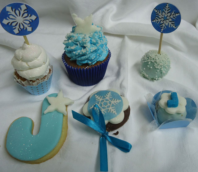 Doces Frozen - Cupcake, Cake Pop, Biscoito Amanteigado, Pirulito de Chocolate e Trufa